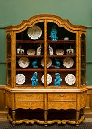 how to arrange dishes in china cabinet china cabinet