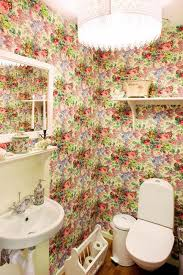Black And White Wallpaper For Bathrooms - modern bathroom design and decorating with wallpaper