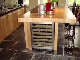cave a vin dans cuisine cave a vin cuisine affordable commercial wine cabinet builtin