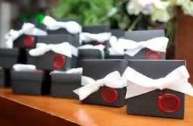 awesome wedding favors creative wedding favors