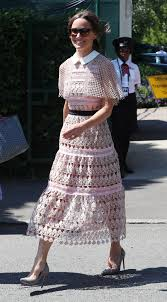pippa middleton is pretty in pink and baring her midriff at