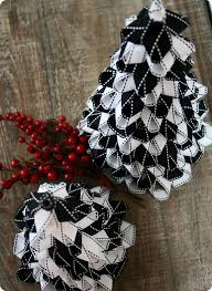 ribbon christmas trees tutorial whipperberry