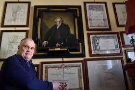 bureau des diplomes 8 italie voici luciano baietti l homme le plus diplômé au monde