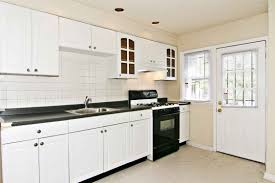 White Kitchen Cabinets With Tile Floor Farmhouse Kitchens With White Cabinets Small Kitchen Backsplash