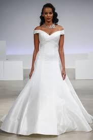 Off The Shoulder Wedding Dresses 5 Off The Shoulder Wedding Dresses We Love From The Bridal Runways