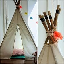 tente chambre enfant un nouveau regard déco enfant une tente tipi dans la chambre
