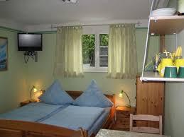 chambre d hote rust chambre avec lit et un lit superposé et