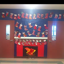 Christmas Crafts For Classroom - 121 best classroom holiday decorating images on pinterest