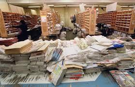 bureau poste toulouse des guichetières braquées accusent la poste de négligence libération