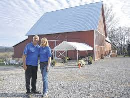 Barn Weddings In Michigan Local Family Turns Barn Into Popular Wedding Venue Gaylord