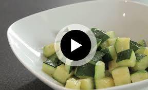 cuisiner des courgettes à la poele tour de comment cuire une courgette à la poêle