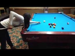 7 Foot Pool Table Female Pool Player Pool Lesson On 10 Foot Pool Table Youtube