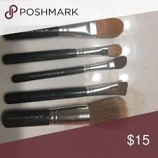 bare minerals brushes set used in good condition bare minerals brushes set used in good condition i will disinfect before shipping bareminerals makeup