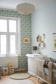 chambre bebe vert d eau vert d eau et jaune moutarde saelens déco
