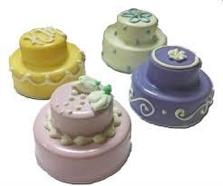 tiny cakes miniature cakes mini wedding favors mini wedding cakes