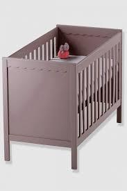 oignon chambre b le lit de bébé pourquoi mettre un oignon sous quel age changer quand