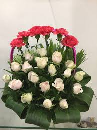 how to send flowers to someone blooms only provide anniversary flower delivery online in pune