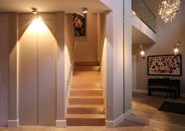 beleuchtung fã r wohnzimmer stimmungsvolle beleuchtung für das treppenhaus beleuchtung le