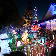 the house of lights melbourne green gourmet giraffe melbourne christmas nights and lights 2017
