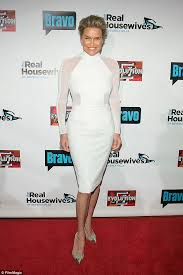yolanda foster does she have fine or thick hair detoxing with superfoods yolanda foster begins extreme week long