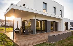Stadtvilla Kaufen Terrasse Bauen Oder Mitsamt Haus Kaufen Inspiration Magazin
