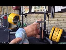 Barbell Bench Press Technique Horrifying Bench Press Gone Wrong Drops Barbell Onto The Neck