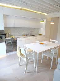 idees cuisine moderne cuisine moderne et pratique 20 bonnes idées côté maison