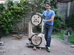 building the homemade bandsaw