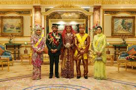 sultan hassanal bolkiah plane shaking hands with royalty inside the sultan of brunei u0027s palace