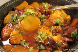 filets de poisson en sauce et pommes de terre le de cuisine