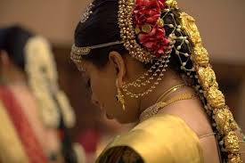 Garland For Indian Wedding Floral Hairstyles From The South Of India Weddingsutra Blog