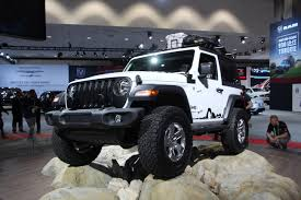jl jeep diesel 2018 jeep wrangler jl revealed a modern take on the classic off