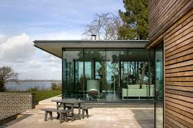 modern glass homes tips for building glass home design pictures