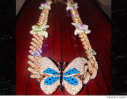 necklace for travis buys jenner 60k diamond butterfly necklace for