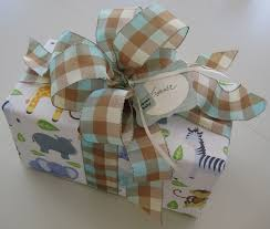 Gift Wrapping Bow Ideas - 502 best gift wrap u0026 bows images on pinterest gifts wrapping