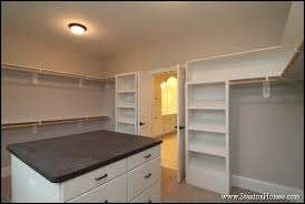 Normal Size Of A Master Bedroom What Is The Average Walk In Closet Size Closet Pictures With