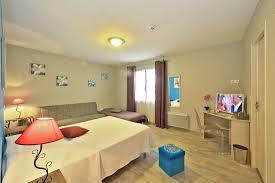 chambre d hotel pour 5 personnes chambre pour 1 à 5 personnes photo de hotel de bretagne