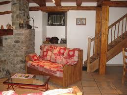 lampe de chevet montagne ancienne ferme de montagne renovee caractere pyreneen midi