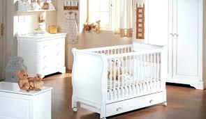 chambre bebe americaine chambre bebe americaine chambre bebe blanc et bois deco chambre