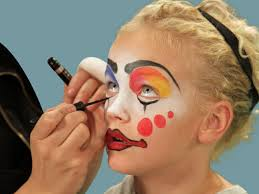 applying clown makeup video mugeek vidalondon