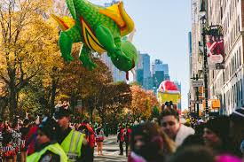 bright and early at the thanksgiving day parade taza