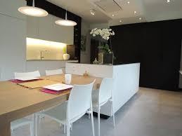 cuisine mur noir cuisine blanche avec mur de coté noir mat déco cuisine