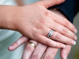 how to wear wedding ring set proper way to wear wedding rings best ring 2017