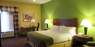 holiday inn express warrensburg hotel by ihg