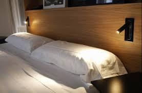 applique chambre applique murale ledtube noir led h17cm marset contemporain