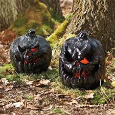 Halloween Outdoor Decorations To Make by 15 Outdoor Halloween Decorations To Make Your Yard Spooktacular