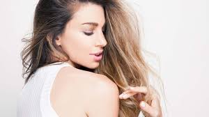 frizzy aged hair 5 ways to help manage frizzy hair l oréal paris
