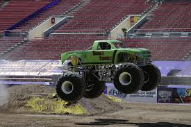 monster truck show maine image cf862610 d3f9 4952 ad3d f576a4857b78 jpg monster trucks