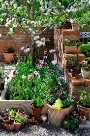 courtyard garden ideas small corner best lot landscaping ideas images on pinterest flower