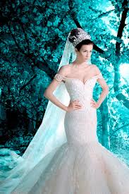 mermaid wedding dresses 2011 131 best wedding dresses images on michael cinco